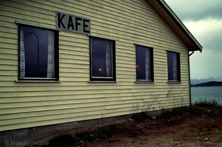 "Travel light: ""Kafe"""