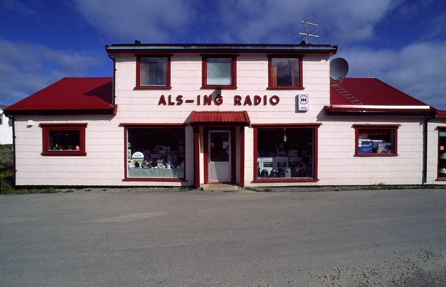 Travel light: ALS-ING RADIO