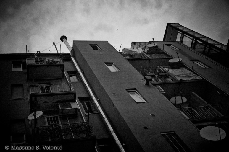 City sickness 187 - Cityscapes of buildings and TV antennas