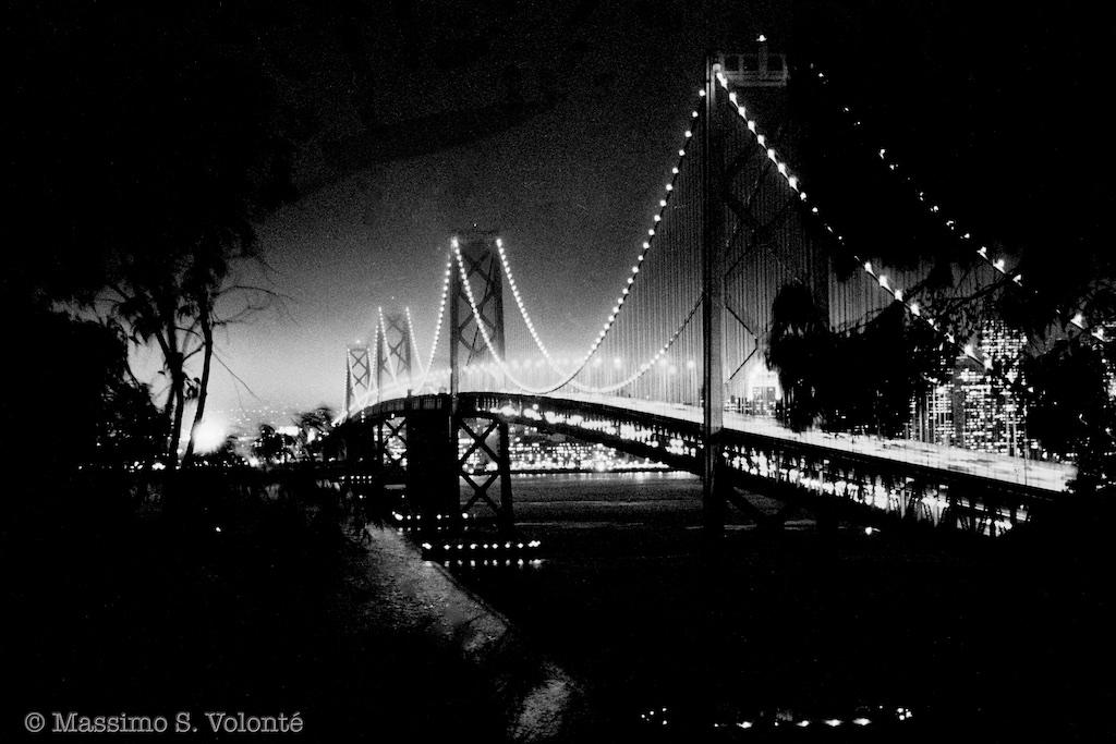 volonte photographer milano - San Francisco Bay Bridge at night