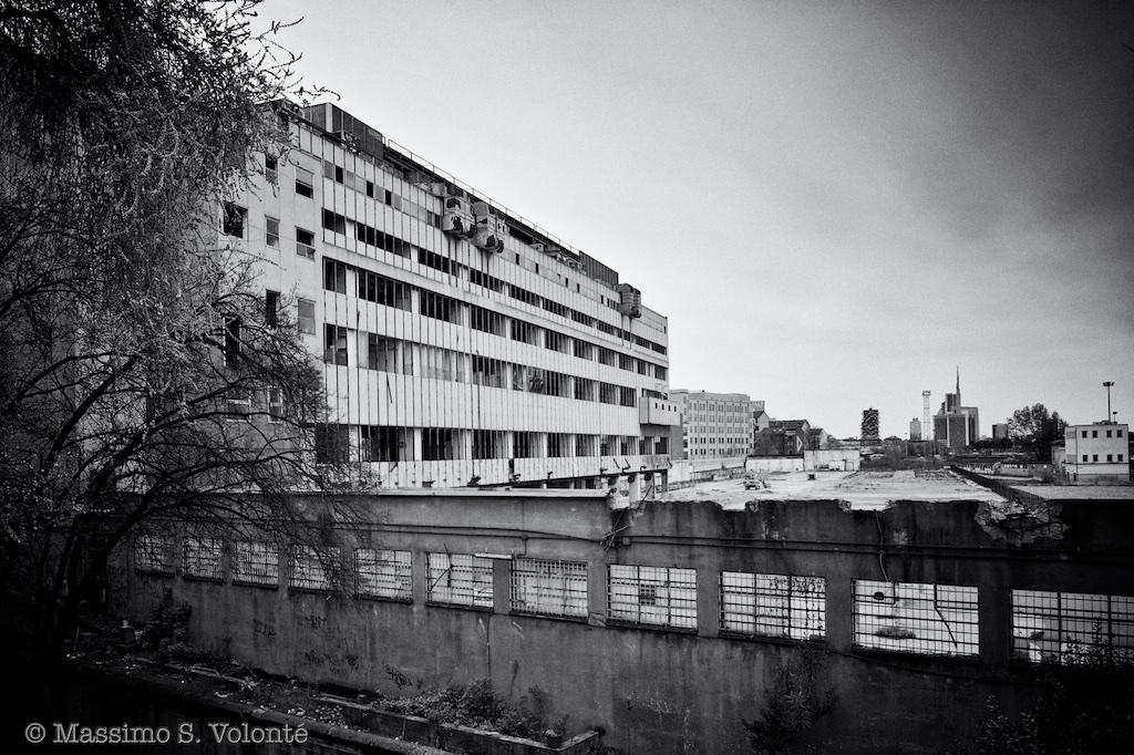 volonte photographer milano - new development center in ruins
