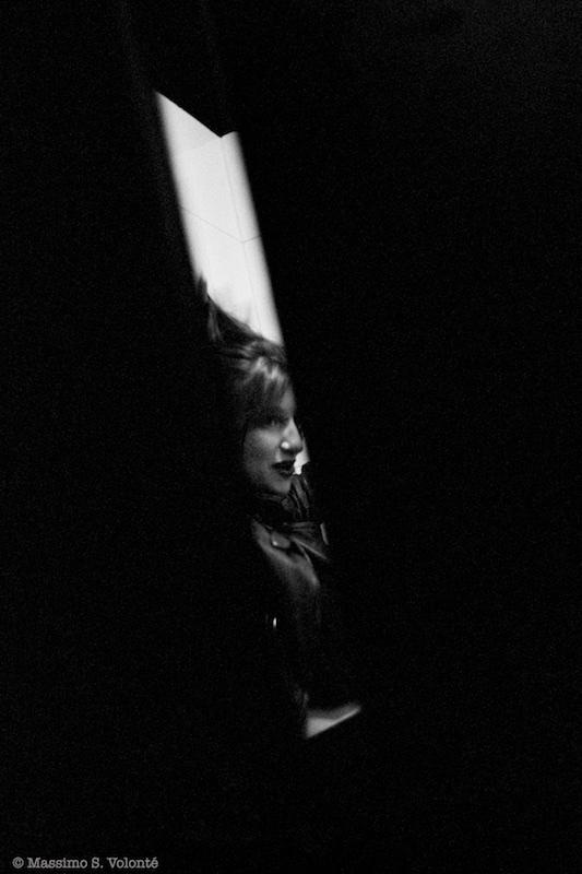 volonte photographer milano - woman in a doorway