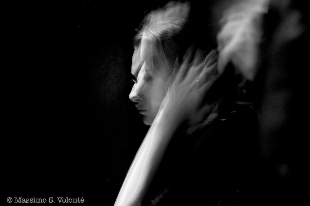 volonte photographer milano - woman in contemplative mood