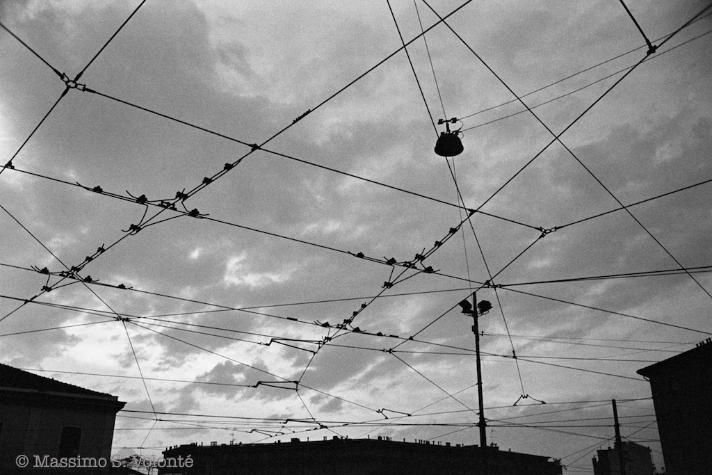 volonte fotografo milano - sky and transportation wires net