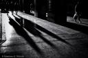 People casting long shadows. monochrome, fotografo milano