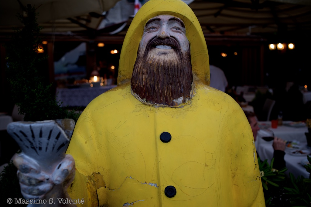 The Fisherman in yellow, self-portrait, fotografo milano