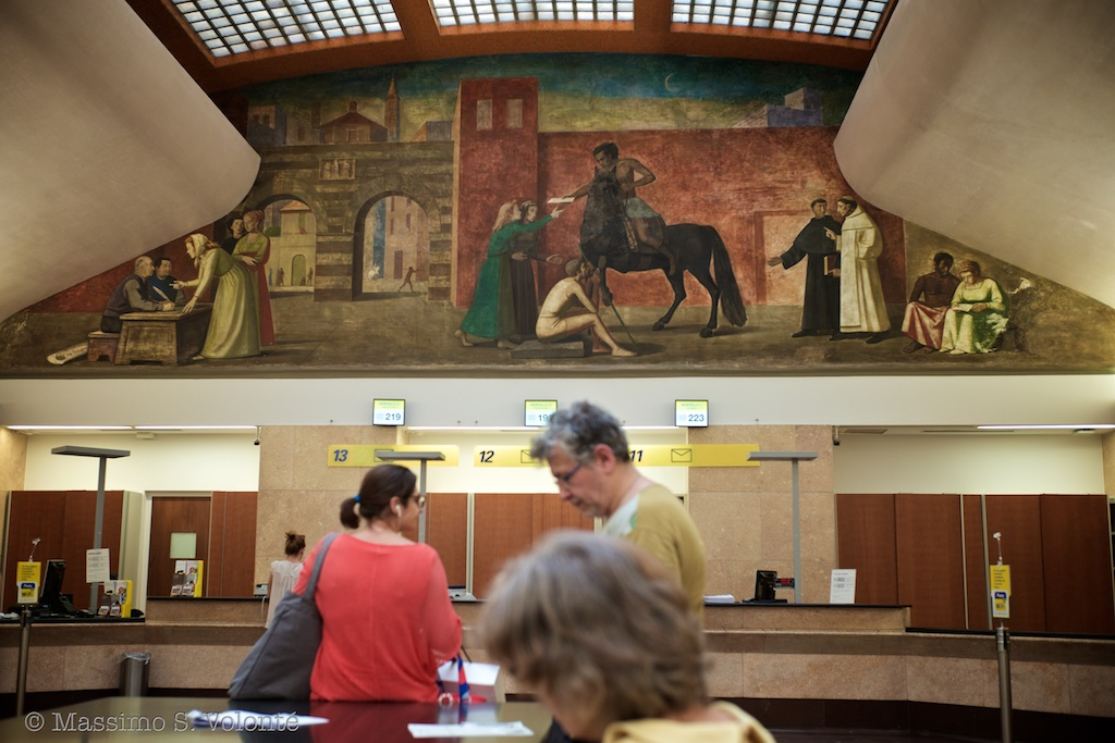 Historic wall painting in the central post office, fotografo milano