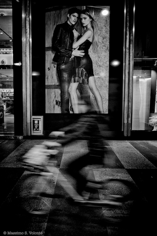 Street scene, black and white, volonte fotografo milano