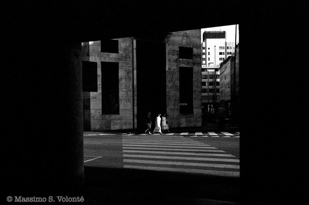 Street scene in the city,Black and white, Volonte fotografo Milano